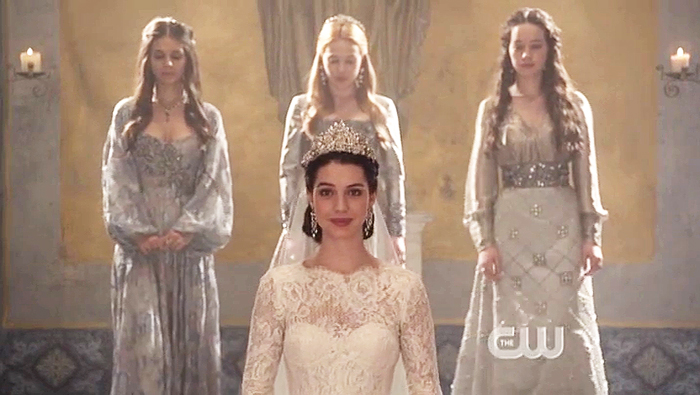 Top 5 Reasons Why We Re Obsessed With The Cw S Reign Larkable Com